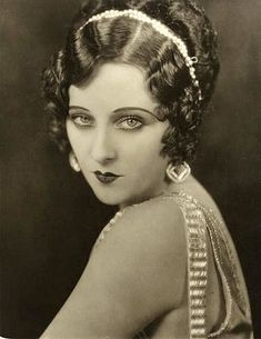 Movie Still Photographs, Biography and Filmography of Silent Film Star & Wampas Baby Star Dorothy Revier Vintage Makeup, Vintage Glam, Vintage Beauty, 1920s Makeup, Old Hollywood Glamour, Vintage Hollywood, Classic Hollywood, Vintage Movie Stars, Vintage Movies