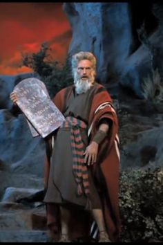 The Ten Commandments Old Hollywood Stars, Classic Hollywood, The 10 Commandments Movie, Moses Movie, Biblical Costumes, Monument Men, Prince Of Egypt, Pictures Of Christ, Bible Illustrations