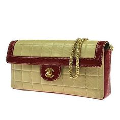 Auth-CHANEL-Quilted-CC-Logos-Chain-Shoulder-Bag-Beige-Leather-Vintage-LP09694