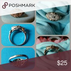 Ladies ring SS, east/west design,  antique inspired, beautiful sparkle. Jewelry Rings