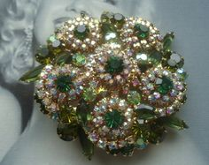 DeLizza and Elster a/k/a Juliana Multi-Dimensional Tiered Raised Rosette Brooch Book Piece Vintage Costume Jewelry, Vintage Costumes, Vintage Jewelry, Rhinestone Jewelry, Rosettes, Vintage Brooches, Jewelry Design, Jewels, Gemstones