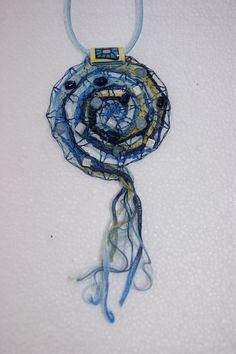 collier spirale de la mer dentelles aux fuseaux : Collier par valeriedentelles                                                                                                                                                     Plus
