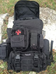 Review Becker Patrol Pack Pics and Comparisons: Original and MOLLE