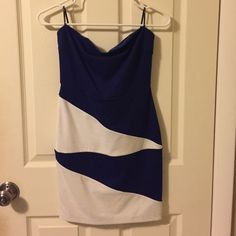 Never worn Forever 21 strapless dress Royal blue and white strapless dress. Never worn. Tags are removed though. Not my style! Forever 21 Dresses Strapless