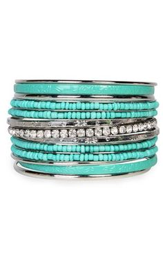 Turquoise bangles and bling I Love Jewelry, Jewelry Box, Jewelry Accessories, Fashion Accessories, Fashion Jewelry, Jewlery, Mint Jewelry, Yoga Jewelry, Hippie Jewelry