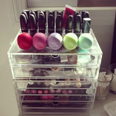 Love these muiji drawers for makeup storage.