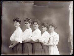 http://www.vintag.es/2014/09/rare-female-portraits-of-rural-america.html