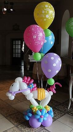 This balloon centerpiece will be the hit with every horse loving little girl!