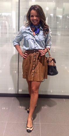 Look of the day, saia de suede, camisa jeans, lenço, casual look, suede skirt, saia de camurça