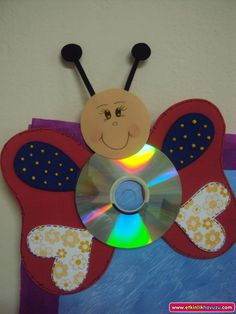 Cd crafts for kids Fun Crafts For Kids, Preschool Crafts, Crafts To Make, Art For Kids, Arts And Crafts, Paper Crafts, Summer Crafts, Butterfly Drawing, Butterfly Crafts