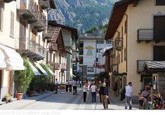 Courmayeur's car-free centre comes alive during après ski hours