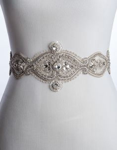 Stunning bridal belt to pretty up any dress!