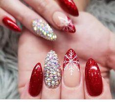 Almond Nails Designs, Pink Nail Designs, Fall Nail Designs, Gem Nails, New Year's Nails, Pink Nails, Glittery Nails, Fancy Nails, Classy Almond Nails