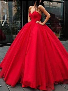 ff8ffad6a70 Retrouvez ce magnifique modele de Robe de princesse dans un sublime rouge  bustier speciale saint valentin