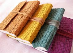 Lovely! Knitting Yarn Diy, Diy And Crafts, Sewing, Wallets, Leather, Fish, Business, Bag, Notebook
