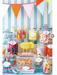 FestifCe candy bar très coloré ne manquera pas d'attirer l'oeil de tous vos invités. Les petits... comme les grands !Découvrez aussi nos 10 idées de photo de couple originales