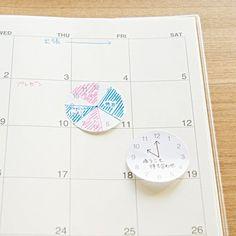 Clock Sticky: Time management is key to success. Use the clock shape sticky to manage your day. http://www.muji.us/store/stationery/fun-stationery/stickies-clock.html