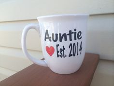 Hey, I found this really awesome Etsy listing at https://www.etsy.com/listing/175945293/aunt-pregnancy-announcement-coffee-mug