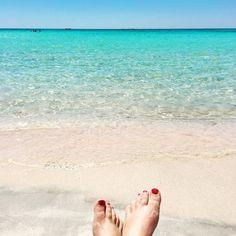 Beachin' it on Elefanossi Beach, Crete, Greece. Pink toes, pink sand. LOVE. #SWDtravels #T+Ttravels