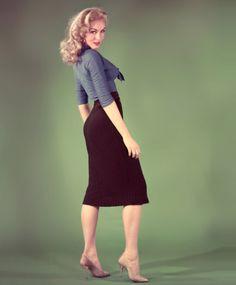Julie Newmar, 1959.