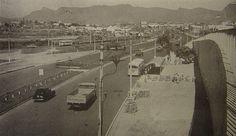 Avenida Brasil, entre Ramos e Bonsucesso. Foto tomada do viaduto de acesso a Ilha do Governador, Avenida Brigadeiro Trompowsky. Anos 50-60.