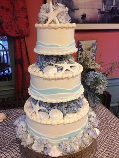 Crazy Russian S Neighborhood Bakery Cape Cod Wedding Seashell And Hydrangea Theme Almond Cardamom Cake Brushed With French Brandy Filled