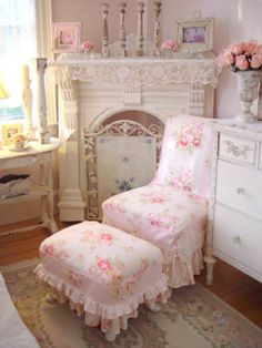 shabby chic... pink roses and white