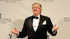 """Edward Herrmann, the """"Gilmore Girls"""" star and Tony Award-winner, has died after a battle with brain cancer. He was 71. :("""