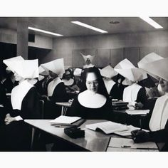 1960: Sisters in class at Marillac College in St. Louis, Mo. More than 25 communities had Sisters at Marillac. [Courtesy of Daughters of Charity Provincial Archives]