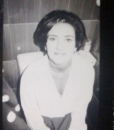 La mia prima sposa! Per lei ho scelto un look stile Jacqueline Kennedy e ho curato la scelta dell'abito, il trucco e la migliore acconciatura, oltre a fornirle supporto e sostegno. Non c'è niente da fare, la prima sposa, come il primo amore, non si scorda mai! info@latuaweddingcoach.com www.latuaweddingcoach.com