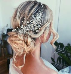 Cara Clyne Long Wedding Hairstyles and Wedding Updos - Wedding Ideas - Cara Clyne Lange Hochzeit Frisuren und Hochzeit Hochsteckfrisuren – Hochzeit ideen Cara Clyne L - Wedding Hairstyles For Long Hair, Wedding Hair And Makeup, Wedding Hair Accessories, Cool Hairstyles, Indian Hairstyles, Wedding Hair Jewelry, Hairstyle Ideas, Vintage Wedding Hairstyles, Country Wedding Hairstyles