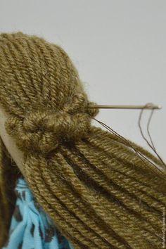 Yarn Dolls, Fabric Dolls, Bead Sewing, Doll Hair, Hello Dolly, Soft Dolls, Doll Patterns, Sewing Hacks, Dreadlocks