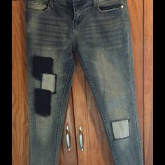 Patchwork Denim Skinny Jeans EUC.  Lots of stretch.  Ankle-length, low rise. Islandia Pants Skinny