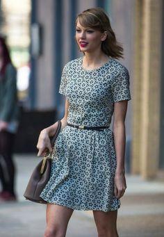 Love Taylor's dress...