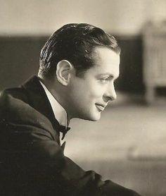 Robert Montgomery, 1932