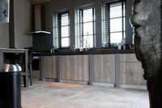Prachtige robuuste keuken, gemaakt door Wouter van Inttec Leende!