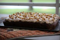 Pumpkin Gingerbread Cake with Spiced Buttercream Frosting | via www.pepperlynn.com