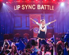 Kate Upton gives it her all channeling Britney Spears on 'Lip Sync Battle'