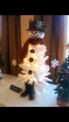 Christmas Tree Snowman  Check more at http://hrenoten.com