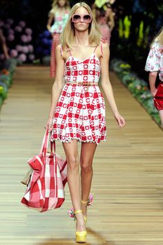 D&G Spring 2011 Ready-to-Wear