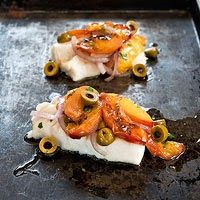 Clean Eating Dinner Recipes: Roasted Cod with Stone Fruit Salad Heart Healthy Recipes, Quick Recipes, Fish Recipes, Cooking Recipes, Recipies, Vegetarian Recipes, Clean Eating Recipes For Dinner, Dinner Recipes, Dinner Ideas