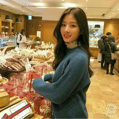 Masa lalu yang kelam membuat Hyunjin trauma berkelanjutan benci kepad… #fanfiction #Fanfiction #amreading #books #wattpad Asian Model Girl, Korean Model, Asian Girl, Human Bean, Girl Korea, Ulzzang Korean Girl, Uzzlang Girl, Fashion Couple, Korean Actresses
