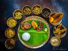 And then there are uber-special Bengali meals as this :)