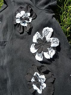 No time to be bored: Flower T-shirt Tutorial - a Refashion