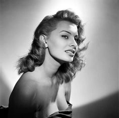 SOPHIA LOREN. My favorite beauty icon EVER. Second is Audrey Hepburn. The average boring person would say Marilyn Monroe #imdifferent