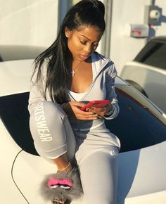 The rap society have already been the designer of loot into this consistent modifying styles morals industry. Chill Outfits, Swag Outfits, Summer Outfits, Winter Outfits, Casual Outfits, Cute Outfits, Fashion Outfits, Fashion Hair, Dope Fashion Girls