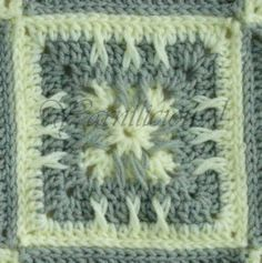 Yarnilicious !: Baby Blanket - Granny Square Variation