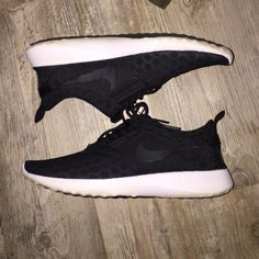 Back Nikes Barely used Nike Shoes Athletic Shoes