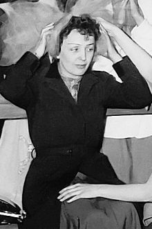 Édith Piaf; 19 December 1915 – 11 October 1963), born Édith Giovanna Gassion, was a French singer and cultural icon who became widely regarded as France's national popular singer, as well as being one of France's greatest international stars. Her singing reflected her life, with her specialty being ballads.