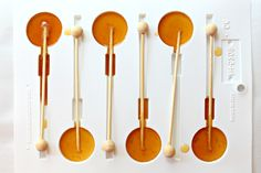 Honey Lollipops for Licking, Stirring, and Gifting are soothing honey lollipops or honey stirrers to mix into a cup of tea! Honey Spoons, Lollipop Recipe, Honey Candy, Honey Syrup, Honey Recipes, Köstliche Desserts, Health Desserts, Hard Candy, Cakepops